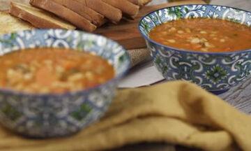 Συνταγή για παραδοσιακή και πεντανόστιμη φασολάδα