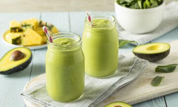 Smoothie με ανανά, σπανάκι και αβοκάντο για απώλεια βάρους - Φτιάξτε το και χάστε κιλά