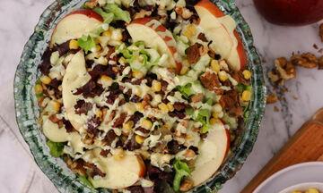 Πράσινη σαλάτα με μήλο & ξηρούς καρπούς - Μία συνταγή που θα λατρέψετε