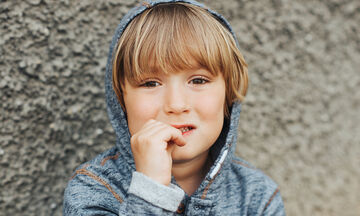 Ονυχοφαγία: Το παιδί που τρώει τα νύχια του - Συμβουλές για γονείς