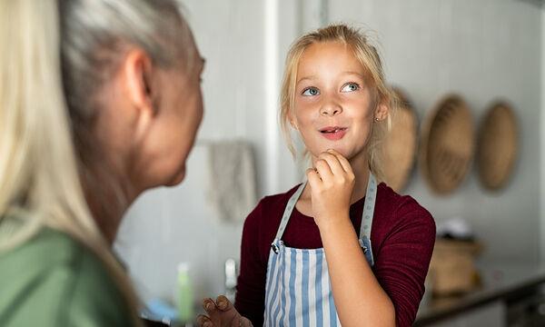 Φαγητό για παιδιά: Υγιεινά μπισκότα με βρώμη και καρότο (vid)