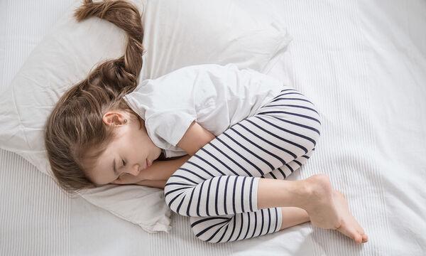 Πώς θα διαχειριστείτε τα παιδιά που σηκώνονται αμέσως μόλις τα βάλετε το βράδυ στο κρεβάτι