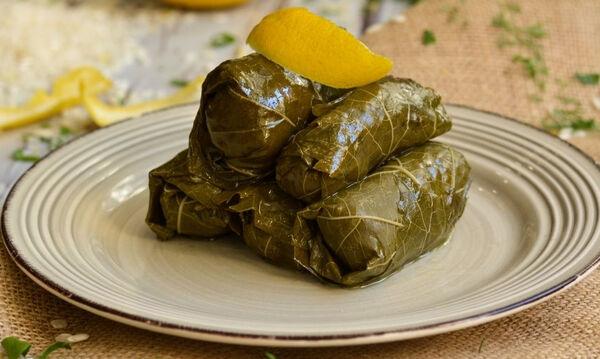 Συνταγή για τα πιο νόστιμα ντολμαδάκια γιαλαντζί