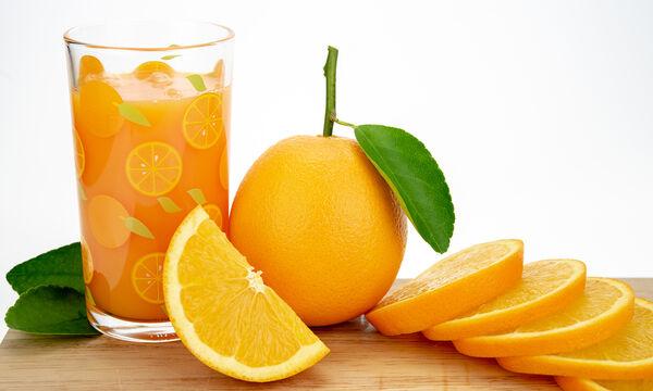Δέκα λόγοι που δεν πρέπει να πετάτε τις φλούδες από πορτοκάλι (vid)
