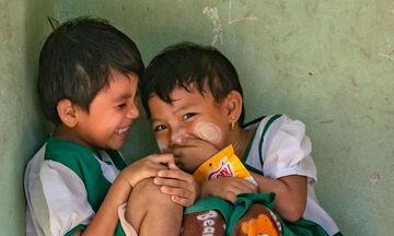 Τι είναι αγάπη; Αυτές οι υπέροχες φωτογραφίες με παιδιά το μαρτυρούν (pics)