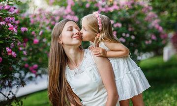 Μαθήματα Ζωής: Εκτός από μαμά είσαι και γυναίκα, μην το ξεχνάς! (vid)