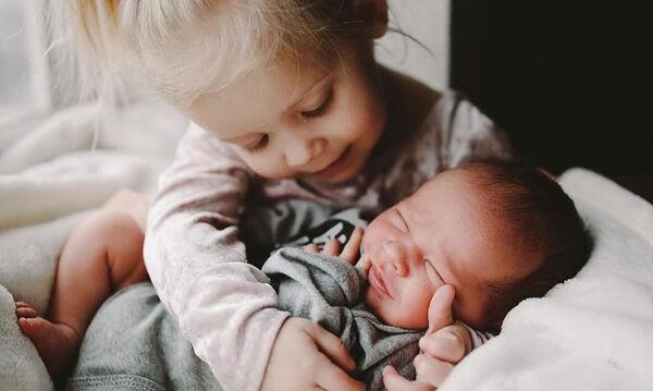 Η αδερφική σχέση μέσα από τον φωτογραφικό φακό - Υπέροχες φωτογραφίες που αξίζει να δείτε (pics)