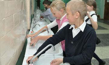Δασκάλα σκέφτηκε ένα έξυπνο κόλπο για να πλένουν συχνά τα χέρια οι μαθητές της και έγινε viral