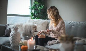 3 πράγματα που μπορείς να κάνεις όσο είσαι σε «καραντίνα» για να αισθανθείς πιο ωραία