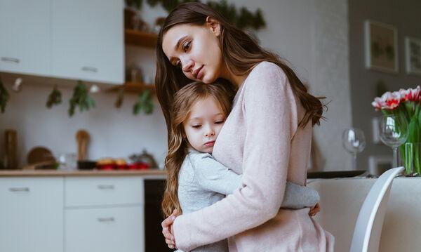 Τι λέω στο παιδί μου για τον κοροναϊό και πώς διαχειρίζομαι τον φόβο του για τον ιό; (vid)