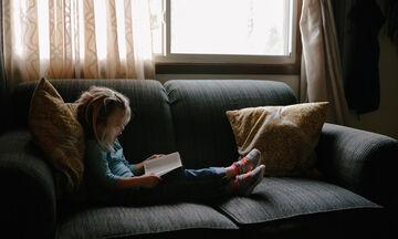 10 σκέψεις που θα κάνεις τώρα που μένεις διαρκώς στο σπίτι με τα παιδιά