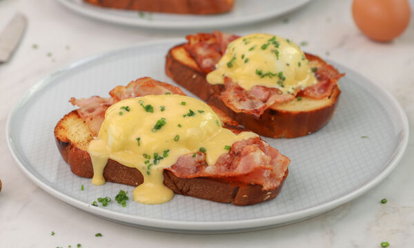 Αυγά Benedict - Δείτε πώς θα τα φτιάξετε
