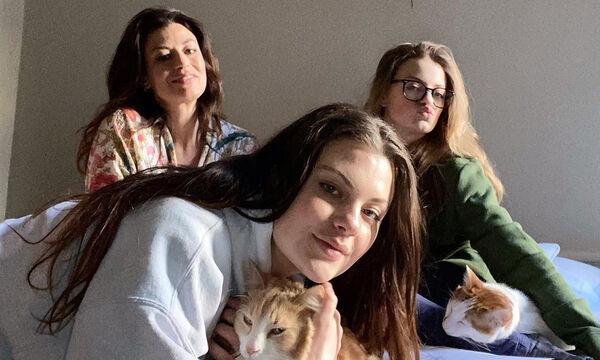 #Mένουμε_Σπίτι: Η κόρη της Δωροθέας Μερκούρη δεν μασάει τα λόγια της - Τι γράφει για τον κορονοϊό