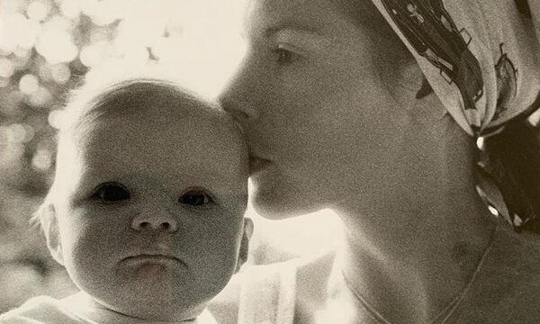 Διάσημος μπαμπάς ευχήθηκε στην κόρη του που είχε γενέθλια με αυτή τη φωτογραφία ( pics)