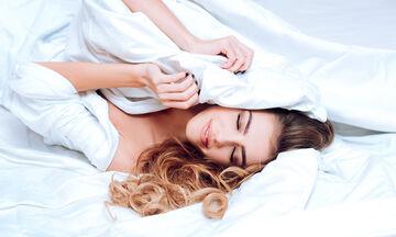 Υαλουρονικό οξύ: Πώς βοηθάει την κολπική ξηρότητα και τη βελτίωση της σεξουαλικής ζωής;