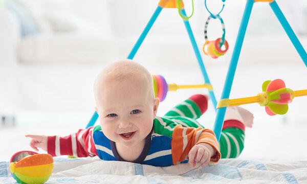 #Μένουμε_Σπίτι - Παιχνίδια για μωρά από 3 έως 4 μηνών που συμβάλλουν στην ανάπτυξή τους