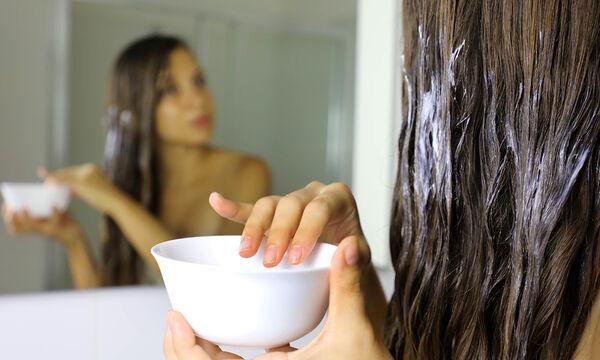 #Μένουμε_Σπίτι - Σπιτικές μάσκες μαλλιών για ενυδάτωση & λάμψη που πρέπει να δοκιμάσεις (vid)
