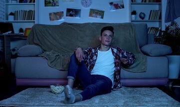 Κορονοϊός: Πώς θα πείσω το έφηβο παιδί μου να μείνει μέσα στο σπίτι;