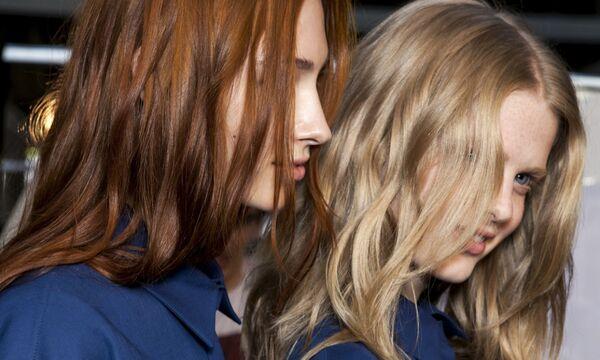 Κομμωτήριο δεν μπορείς να πας, μπορείς όμως να κοιτάξεις 30 τέλεια χρώματα μαλλιών