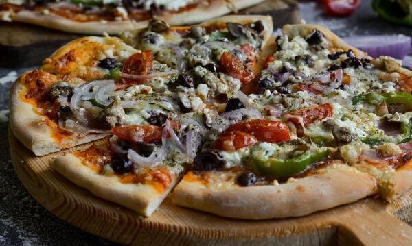 Συνταγή για την πιο νόστιμη σπιτική pizza