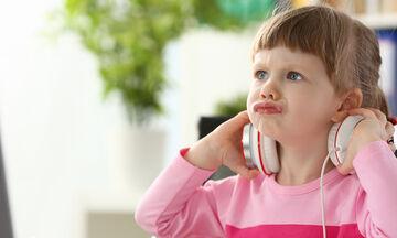 Μαθήματα Ζωής: Πώς να αντιδράσετε όταν το παιδί σας θεωρεί υπεύθυνους για το «κακό» που του κάνατε
