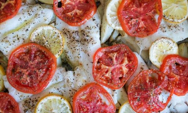 Συνταγή για μπακαλιάρο στο φούρνο με πατάτες