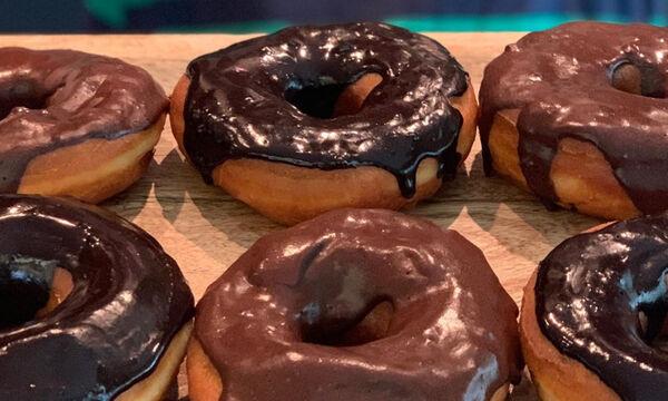 Η Δέσποινα Βανδή έφτιαξε τα πιο λαχταριστά donuts και έχουμε την συνταγή της