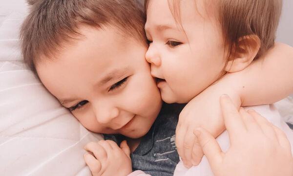 Η αδερφική αγάπη μέσα από φανταστικές φωτογραφίες παιδιών (pics)