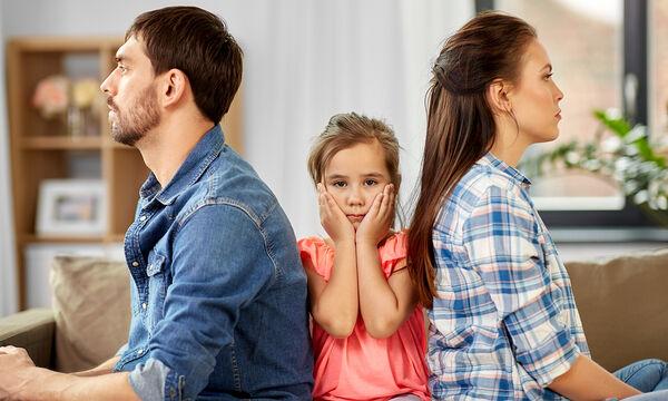 «Ποιος πήρε την απόφαση να χωρίσετε;» - Πώς να απαντήσετε στις δύσκολες ερωτήσεις των παιδιών