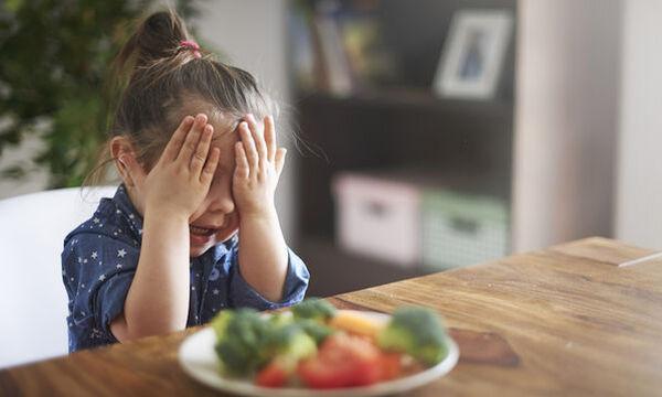 Παιδί και διατροφή: Πέντε μαμαδίστικα tips για να φάει το παιδί τα λαχανικά του (vid)
