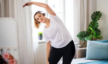#Μένουμε_σπίτι: Δείτε γιατί πρέπει να κάνετε αυτό το 8λεπτο πρόγραμμα γυμναστικής πριν κοιμηθείτε