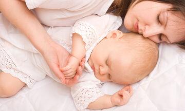 Μέχρι πότε μπορείτε να κοιμάστε στο ίδιο δωμάτιο με το μωρό σας;