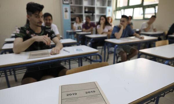 Κορονοϊός - Πανελλαδικές: Το ακραίο σενάριο του Σεπτεμβρίου - Τι θα γίνει με την ύλη