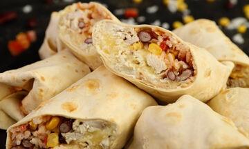 Φτιάξτε σπιτικά burritos με κοτόπουλο