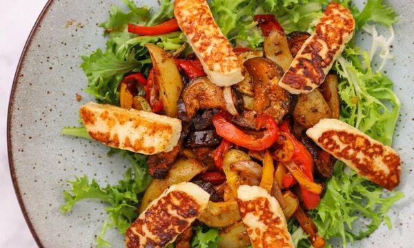 Συνταγή για σαλάτα με χαλούμι και ψητά λαχανικά