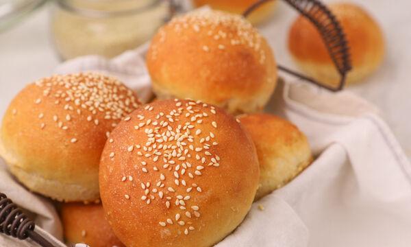 Ψωμάκια για burger - Δείτε πώς θα τα φτιάξετε