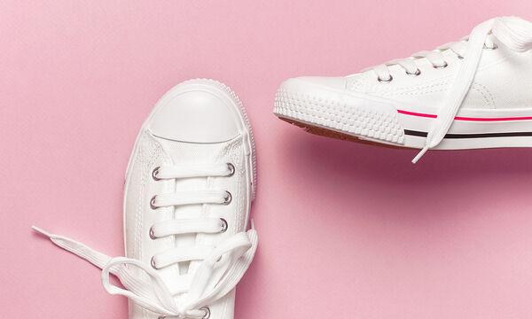 Κορονοϊός: Έτσι θα απολυμάνετε σωστά τα παπούτσια μετά την έξοδό σας από το σπίτι (vid)