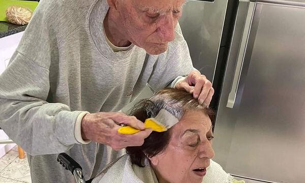 Τόσο συγκινητικό! 92 χρονος βάφει τα μαλλιά της γυναίκας του στο σπίτι και γίνεται viral