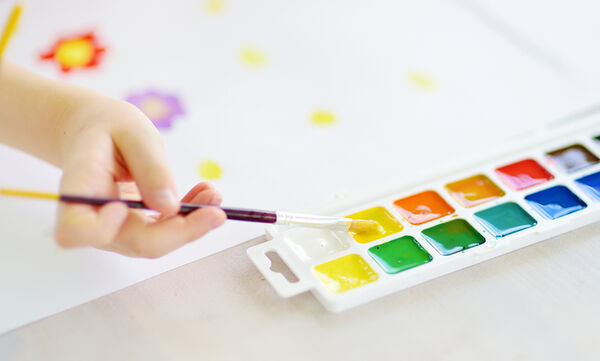 «Κοντά ή μακριά ΕΙΜΑΣΤΕ όλοι ΕΝΑ»: Διεθνής Παιδικός - Νεανικός Διαγωνισμός Ζωγραφικής