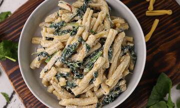 Σκιουφιχτά με σπανάκι και γιαούρτι - Μία υγιεινή και πεντανόστιμη συνταγή