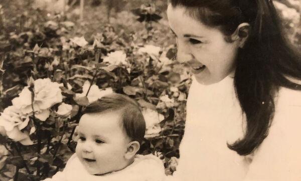 Γνωστή ηθοποιός ευχήθηκε στη μητέρα της που είχε γενέθλια με αυτή τη φώτο - Μαντεύετε ποια είναι;
