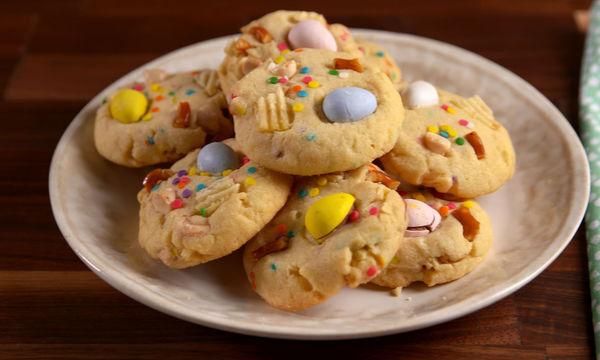 #Πάσχα_στο_Σπίτι: Συνταγή για τα πιο νόστιμα πασχαλινά μπισκότα