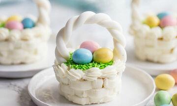 #Πάσχα _στο_Σπίτι: Δείτε πώς θα φτιάξετε τα πιο όμορφα πασχαλινά cupcakes (vid)