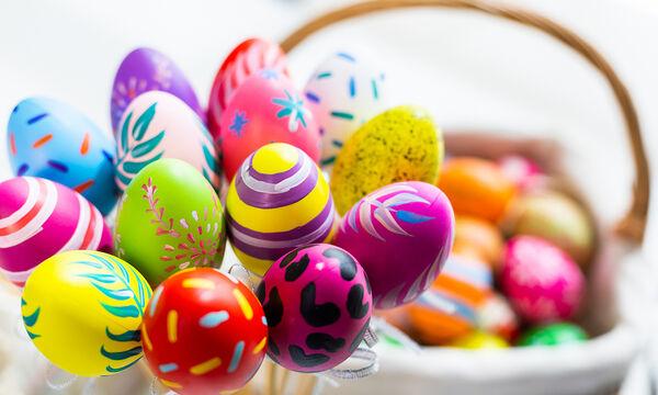 Οκτώ εντυπωσιακοί τρόποι για να διακοσμήσετε τα πασχαλινά αβγά (vid)
