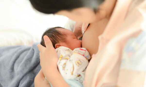 Διατροφή & θηλασμός: 5+1 τροφές που θα αυξήσουν το μητρικό γάλα (pics)