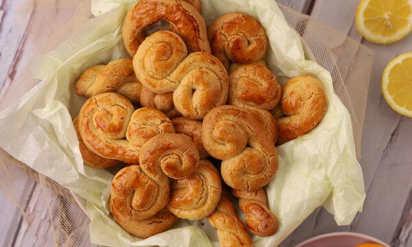 Συνταγή για τα παραδοσιακά κουλουράκια της Λαμπρής