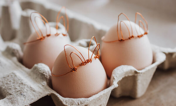 Πασχαλινά αβγά ντεκουπάζ με ασπράδι και χαρτοπετσέτες (vid)