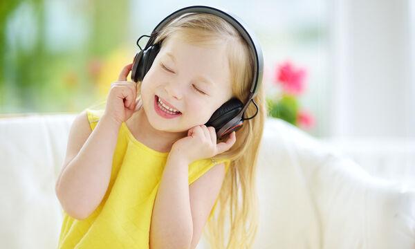 #Πάσχα_στο_Σπίτι: Τέσσερα πασχαλινά τραγούδια για παιδιά στα αγγλικά (vids)