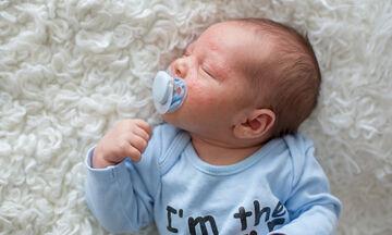 Ατοπική δερματίτιδα στα μωρά: Πέντε τρόποι να την αντιμετωπίσετε (pics)