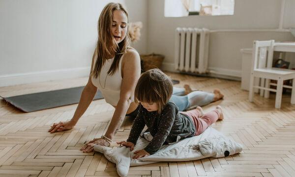Μένουμε σπίτι και κάνουμε ασκήσεις αναπνοής με τα παιδιά μας (pics)
